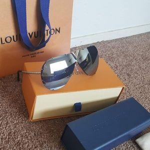 Louis Vuitton Drive Sunglasses Silver Unisex
